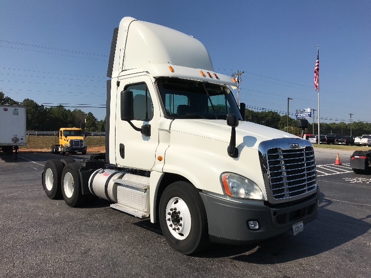 Day Cab Tractor-Heavy Duty Tractors-Freightliner-2013-Cascadia 12564ST-CONYERS-GA-586,903 miles-$28,500