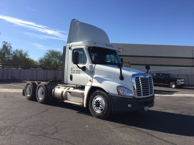 Day Cab Tractor-Heavy Duty Tractors-Freightliner-2013-Cascadia 12564ST-PHOENIX-AZ-547,960 miles-$38,000