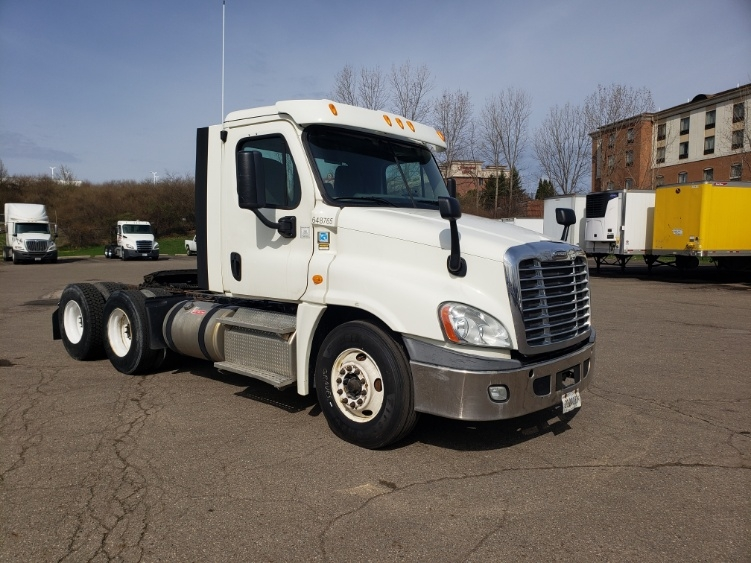 Day Cab Tractor-Heavy Duty Tractors-Freightliner-2013-Cascadia 12564ST-AKRON-OH-283,190 miles-$47,000