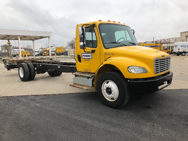 Cab and Chassis Truck-Light and Medium Duty Trucks-Freightliner-2013-M2-INDIANAPOLIS-IN-233,350 miles-$23,750