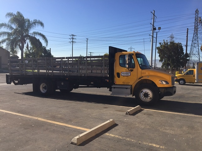 Flatbed Truck-Light and Medium Duty Trucks-Freightliner-2013-M2-CHINO-CA-107,517 miles-$48,750