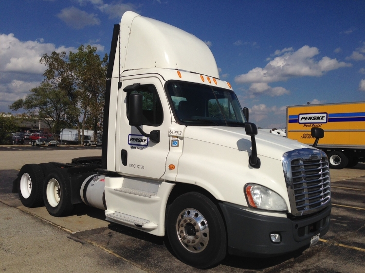 Day Cab Tractor-Heavy Duty Tractors-Freightliner-2013-Cascadia 12564ST-KANSAS CITY-MO-550,188 miles-$35,000