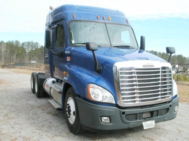 Sleeper Tractor-Heavy Duty Tractors-Freightliner-2013-Cascadia 12564ST-GADSDEN-AL-514,474 miles-$39,250