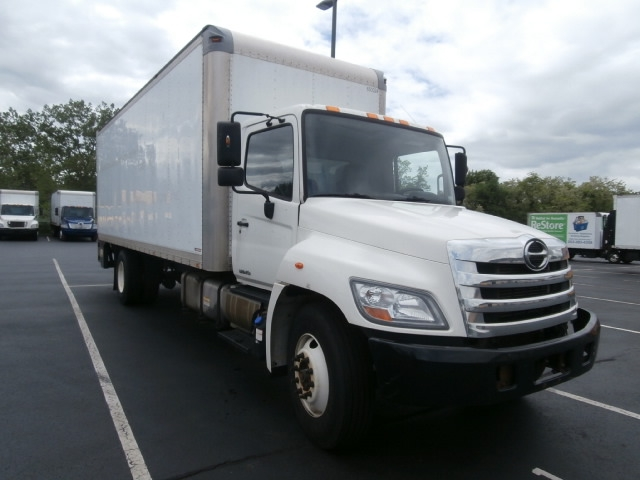 Medium Duty Box Truck-Light and Medium Duty Trucks-Hino-2013-268-WEST HAVEN-CT-225,100 miles-$35,250