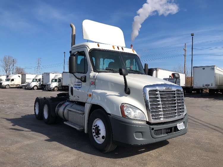 Day Cab Tractor-Heavy Duty Tractors-Freightliner-2013-Cascadia 12564ST-KANSAS CITY-MO-378,576 miles-$49,500