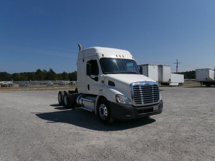 Sleeper Tractor-Heavy Duty Tractors-Freightliner-2013-Cascadia 11364ST-HAMMOND-LA-502,569 miles-$38,250