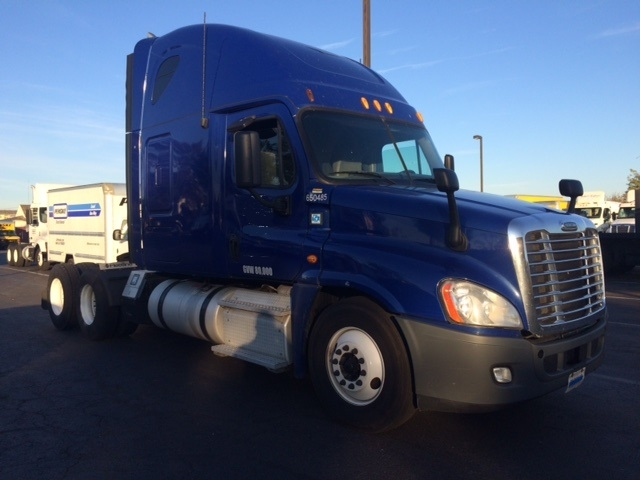 Sleeper Tractor-Heavy Duty Tractors-Freightliner-2013-Cascadia 12564ST-SOUTH PLAINFIELD-NJ-423,997 miles-$59,000