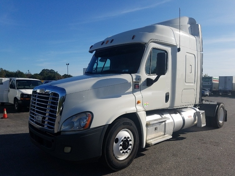 Sleeper Tractor-Heavy Duty Tractors-Freightliner-2013-Cascadia 12542ST-GREENVILLE-SC-592,738 miles-$35,000