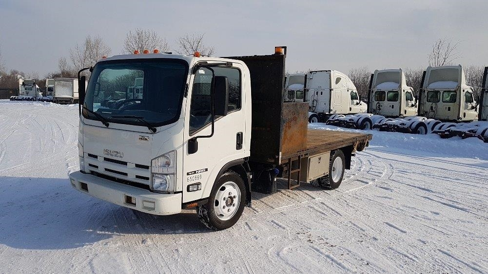 Flatbed Truck-Light and Medium Duty Trucks-Isuzu-2013-NRR-MONTREAL-PQ-158,773 km-$36,000