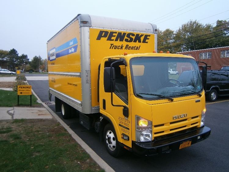 Medium Duty Box Truck-Light and Medium Duty Trucks-Isuzu-2013-NPR-HARTFORD-CT-118,754 miles-$24,500