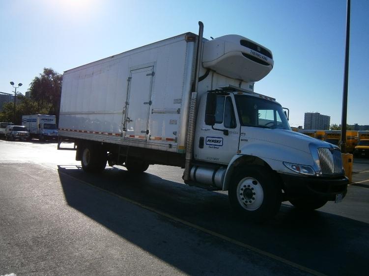 Reefer Truck-Light and Medium Duty Trucks-International-2013-4300-CONCORD-ON-232,883 km-$40,000