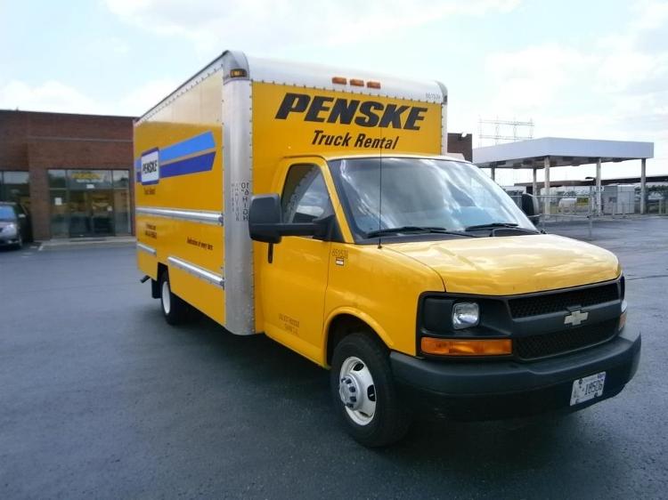 Light Duty Box Truck-Light and Medium Duty Trucks-Chevrolet-2012-G33903-MISSISSAUGA-ON-123,477 km-$20,250
