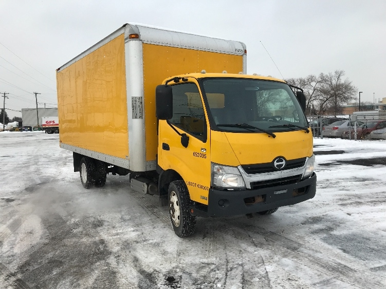 Medium Duty Box Truck-Light and Medium Duty Trucks-Hino-2013-195-BOUCHERVILLE-PQ-253,720 km-$28,500