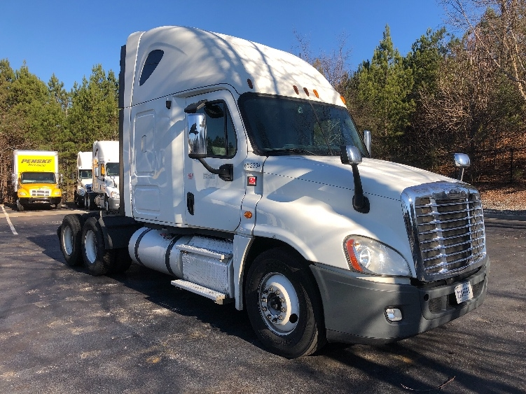 Sleeper Tractor-Heavy Duty Tractors-Freightliner-2013-Cascadia 12564ST-DULUTH-GA-437,596 miles-$48,750