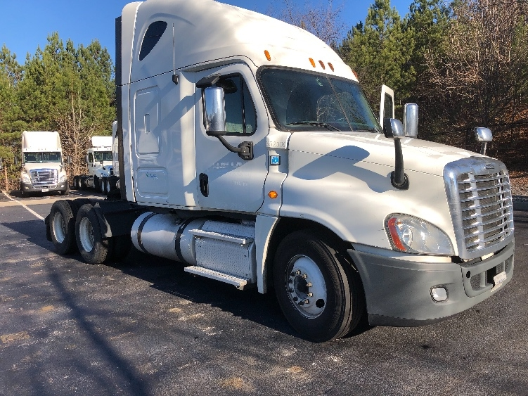 Sleeper Tractor-Heavy Duty Tractors-Freightliner-2013-Cascadia 12564ST-DULUTH-GA-408,764 miles-$49,250