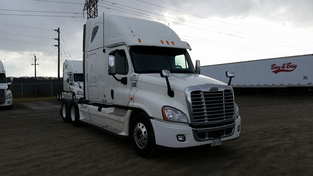 Sleeper Tractor-Heavy Duty Tractors-Freightliner-2013-Cascadia 12564ST-MISSISSAUGA-ON-975,509 km-$44,750