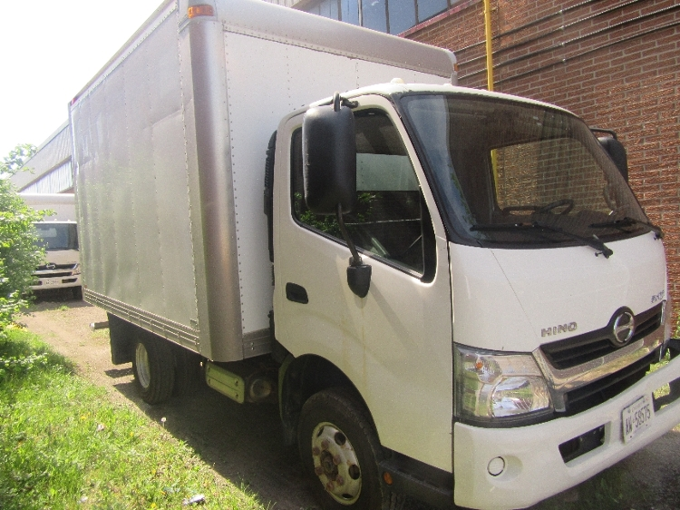 Medium Duty Box Truck-Light and Medium Duty Trucks-Hino-2013-155-CONCORD-ON-229,678 km-$26,750