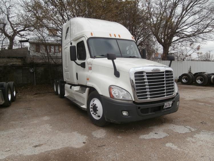 Sleeper Tractor-Heavy Duty Tractors-Freightliner-2013-Cascadia 12564ST-PHOENIX-AZ-576,766 miles-$55,500