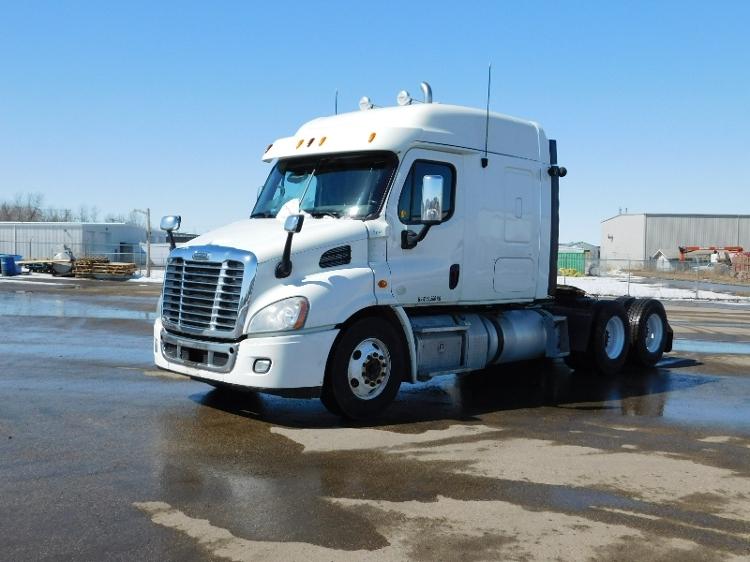 Sleeper Tractor-Heavy Duty Tractors-Freightliner-2013-Cascadia 11364ST-SASKATOON-SK-890,932 km-$34,000