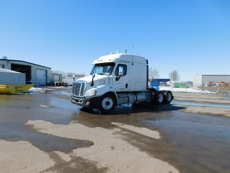 Sleeper Tractor-Heavy Duty Tractors-Freightliner-2013-Cascadia 11364ST-SASKATOON-SK-888,335 km-$12,000