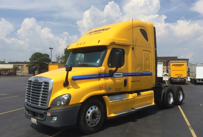 Sleeper Tractor-Heavy Duty Tractors-Freightliner-2013-Cascadia 12564ST-MISSISSAUGA-ON-920,615 km-$57,000