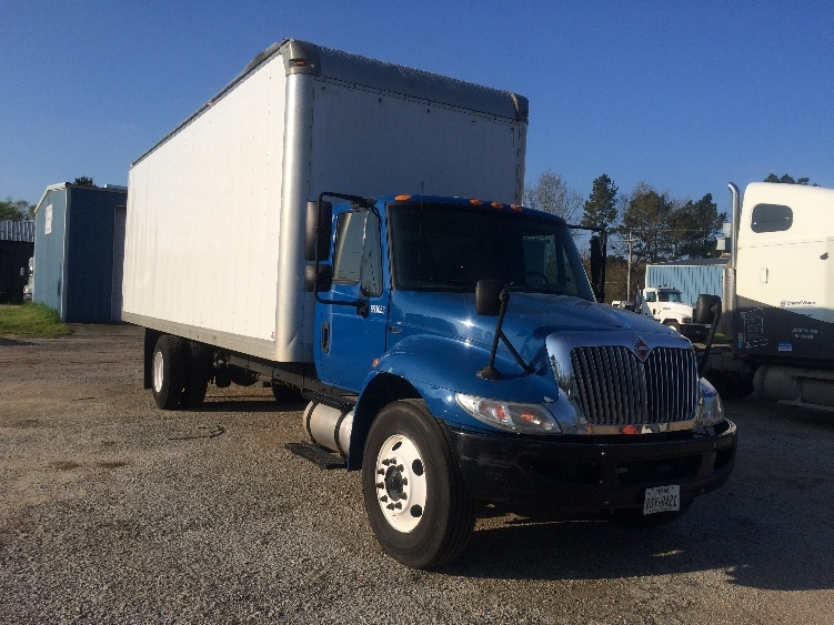 used medium duty box trucks for sale in tx penske used trucks. Black Bedroom Furniture Sets. Home Design Ideas