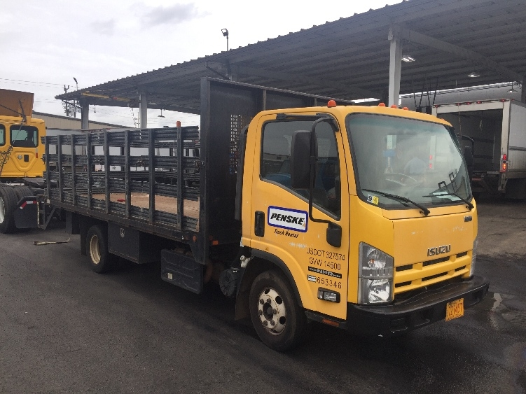 Flatbed Truck-Light and Medium Duty Trucks-Isuzu-2013-NPR-HONOLULU-HI-69,478 miles-$10,500