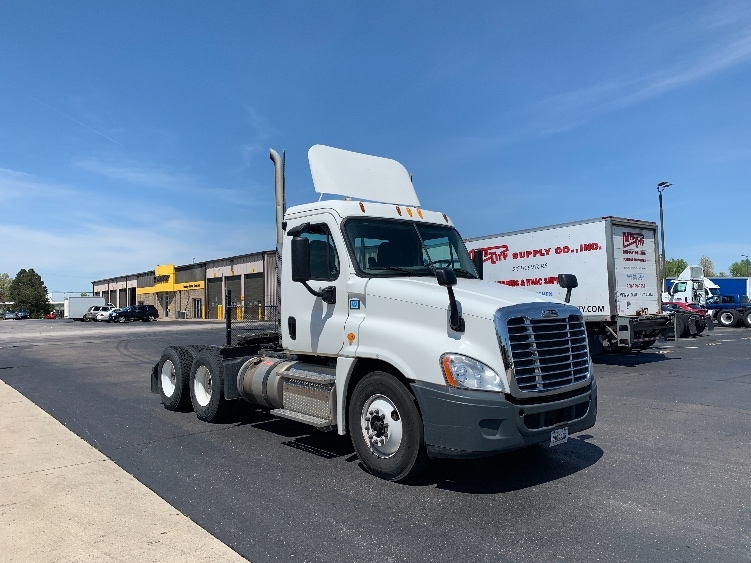 Day Cab Tractor-Heavy Duty Tractors-Freightliner-2013-Cascadia 12564ST-ELKHART-IN-134,337 miles-$52,500