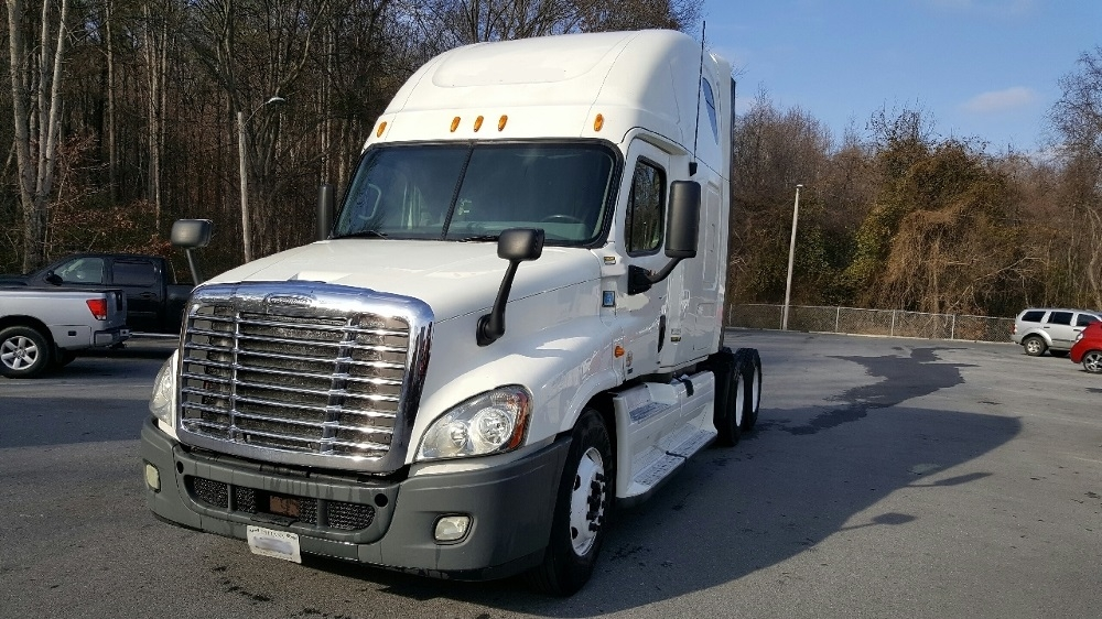Sleeper Tractor-Heavy Duty Tractors-Freightliner-2013-Cascadia 12564ST-EAU CLAIRE-WI-709,058 miles-$48,500