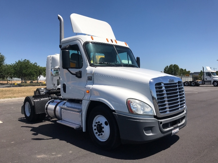 Day Cab Tractor-Heavy Duty Tractors-Freightliner-2013-Cascadia 12542ST-WEST SACRAMENTO-CA-180,998 miles-$53,500
