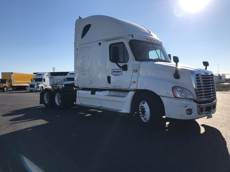 Sleeper Tractor-Heavy Duty Tractors-Freightliner-2013-Cascadia 12564ST-COLUMBUS-OH-696,621 miles-$40,000