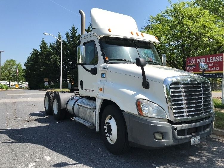 Day Cab Tractor-Heavy Duty Tractors-Freightliner-2013-Cascadia 12564ST-CAPITOL HEIGHTS-MD-400,003 miles-$34,500