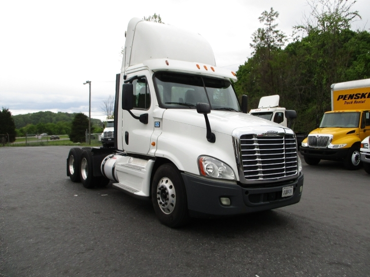 Day Cab Tractor-Heavy Duty Tractors-Freightliner-2013-Cascadia 12564ST-BLOUNTVILLE-TN-603,281 miles-$33,750