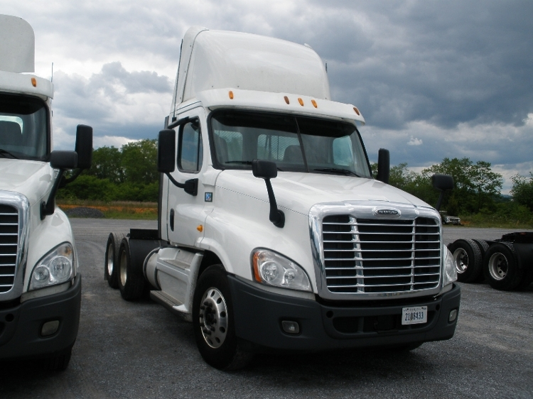 Day Cab Tractor-Heavy Duty Tractors-Freightliner-2013-Cascadia 12564ST-MORRISTOWN-TN-729,439 miles-$25,250