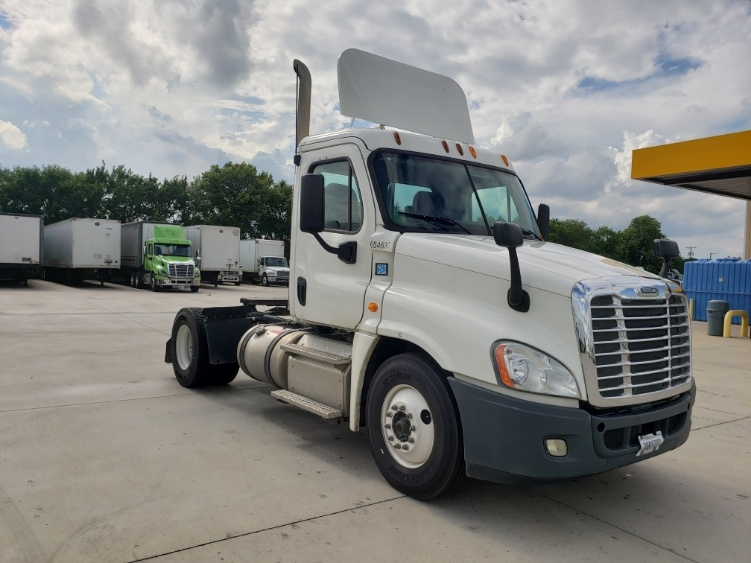 Day Cab Tractor-Heavy Duty Tractors-Freightliner-2013-Cascadia 12542ST-GOSHEN-IN-137,099 miles-$39,250