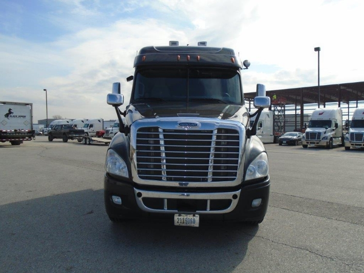 Sleeper Tractor-Heavy Duty Tractors-Freightliner-2013-Cascadia 12564ST-NORTH LIBERTY-IA-498,357 miles-$41,250