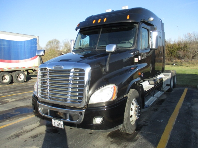 Sleeper Tractor-Heavy Duty Tractors-Freightliner-2013-Cascadia 12564ST-NORTH LIBERTY-IA-446,791 miles-$46,000
