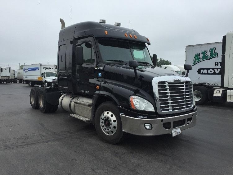 Sleeper Tractor-Heavy Duty Tractors-Freightliner-2013-Cascadia 12564ST-ELK GROVE VILLAGE-IL-494,386 miles-$52,250