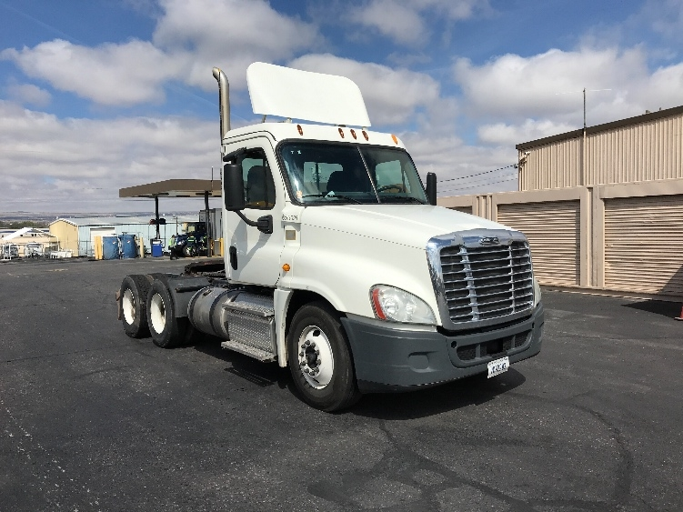 Day Cab Tractor-Heavy Duty Tractors-Freightliner-2013-Cascadia 12564ST-ALBUQUERQUE-NM-517,813 miles-$32,750