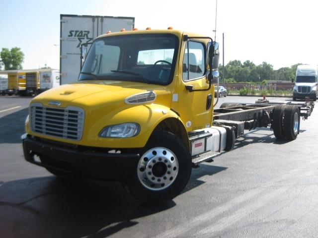 Cab and Chassis Truck-Light and Medium Duty Trucks-Freightliner-2013-M2-FORT WAYNE-IN-237,137 miles-$35,250