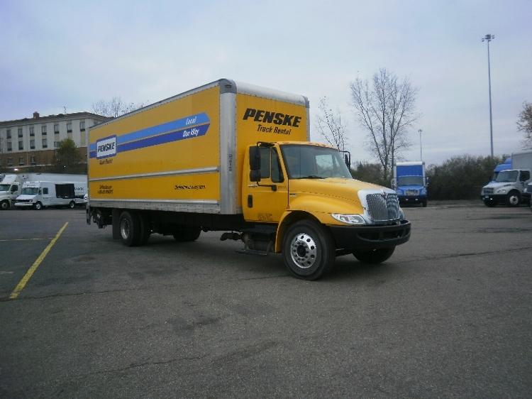 Medium Duty Box Truck-Light and Medium Duty Trucks-International-2013-4300-CANTON-OH-165,737 miles-$25,750