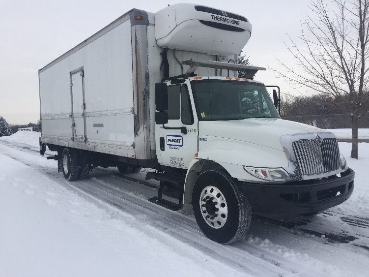 Reefer Truck-Light and Medium Duty Trucks-International-2013-4300-ROSEVILLE-MN-158,962 miles-$38,250