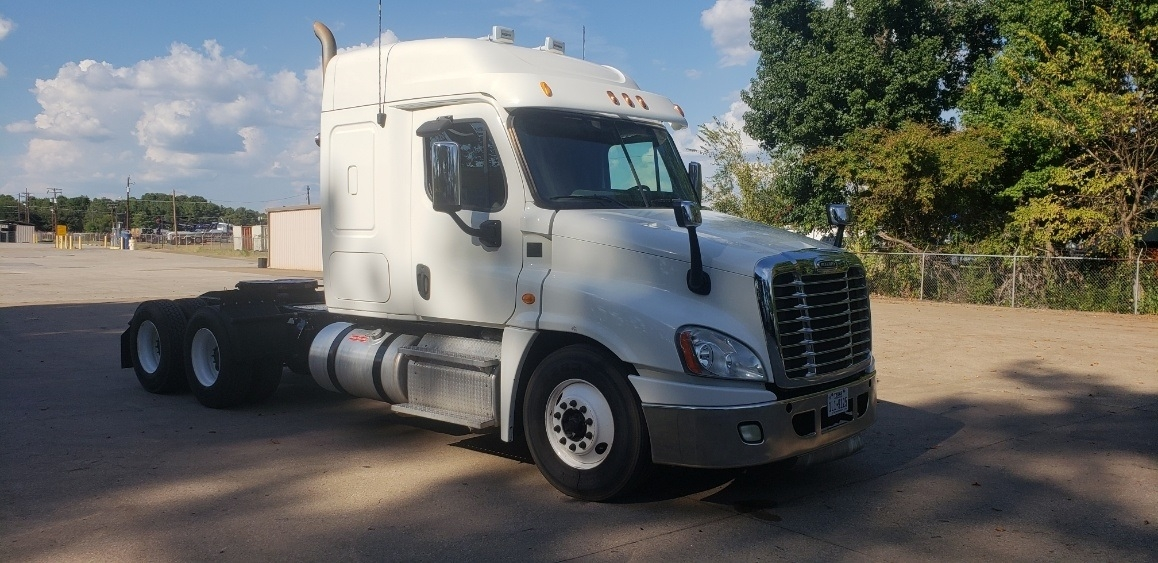 Freightliner Waco Tx >> Used Sleeper Tractors For Sale in TX - Penske Used Trucks