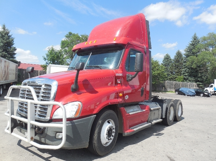 Day Cab Tractor-Heavy Duty Tractors-Freightliner-2013-Cascadia 12564ST-BROOKLYN PARK-MN-312,075 miles-$51,250