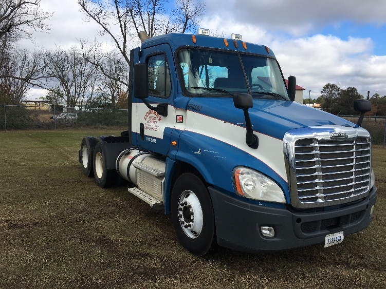 Day Cab Tractor-Heavy Duty Tractors-Freightliner-2013-Cascadia 12564ST-TIFTON-GA-271,609 miles-$46,500