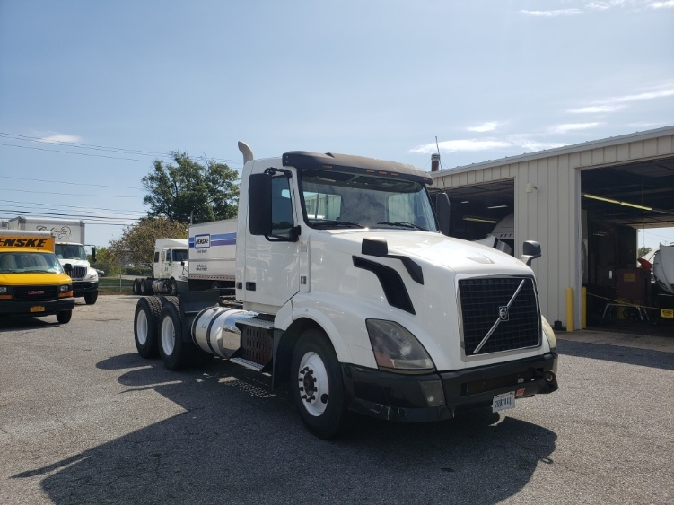 Day Cab Tractor-Heavy Duty Tractors-Volvo-2013-VNL64T300-MILFORD-DE-259,164 miles-$37,500