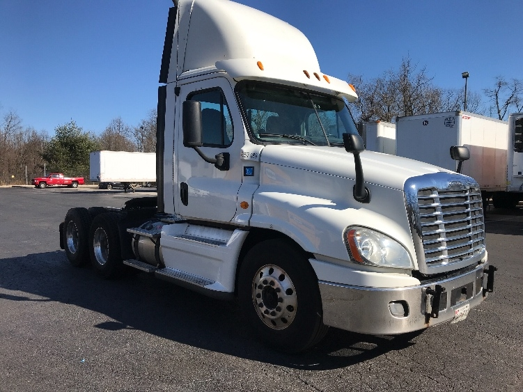Day Cab Tractor-Heavy Duty Tractors-Freightliner-2013-Cascadia 12564ST-BELCAMP-MD-691,982 miles-$29,750