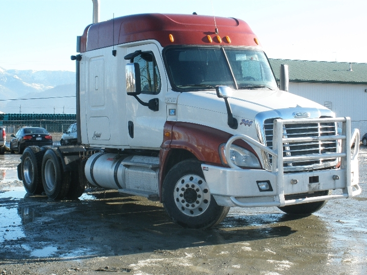 Sleeper Tractor-Heavy Duty Tractors-Freightliner-2013-Cascadia 12564ST-ABBOTSFORD-BC-668,715 km-$51,250