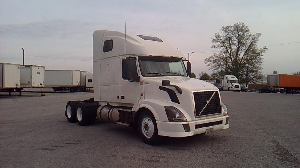 Sleeper Tractor-Heavy Duty Tractors-Volvo-2013-VNL64T670-FORT WAYNE-IN-619,964 miles-$29,500