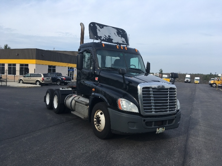 Day Cab Tractor-Heavy Duty Tractors-Freightliner-2013-Cascadia 12564ST-LONDONDERRY-NH-508,710 miles-$30,750